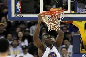 Warriors' Ezeli undergoes exploratory knee surgery - Photo