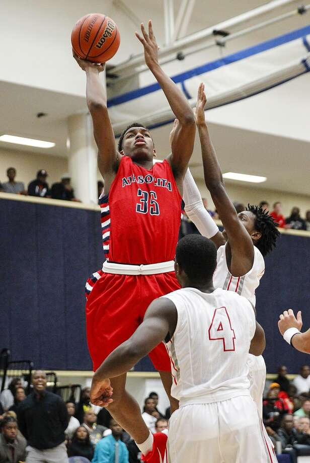 Atascocita's Fabian White and the Eagles are soaring to the big prize as they compete in the UIL Class 6A Boys Basketball Tournament in San Antonio this weekend. Photo: Diana L. Porter, Freelance / © Diana L. Porter