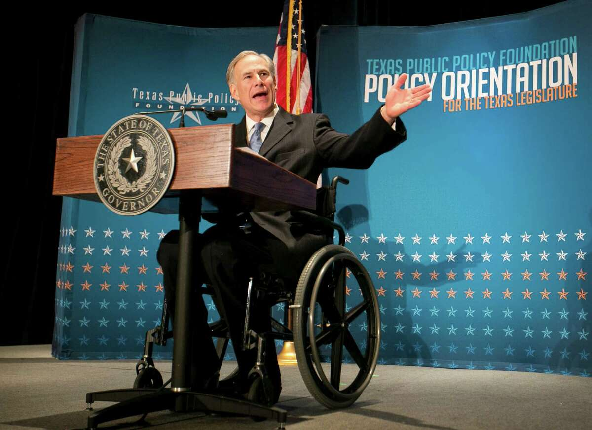 Texas Gov. Greg Abbott calls for a convention of states to amend the Constitution during a speech at the Texas Public Policy Foundation in Austin, Texas, on Friday Jan. 8, 2016 (Jay Janner/Austin American-Statesman via AP)