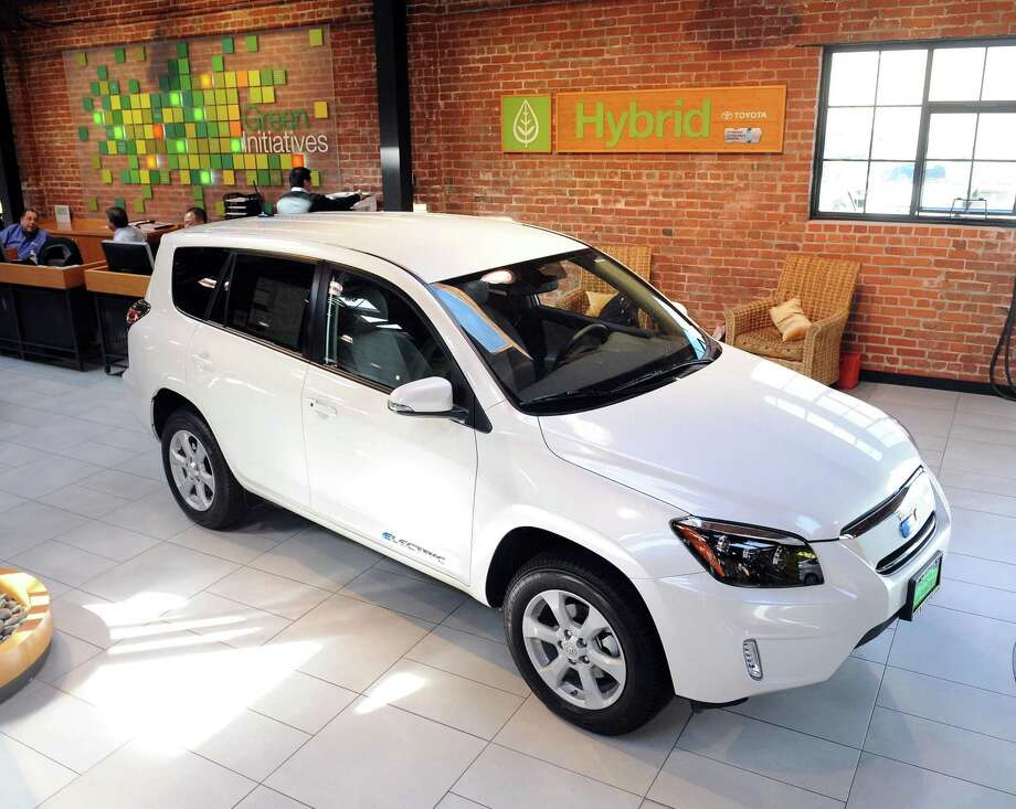 Compact SUVs such as the Toyota RAV4 are replacing the sedan as the family car of choice. Photo: Susana Bates /Special To The San Francisco Chronicle / ONLINE_YES