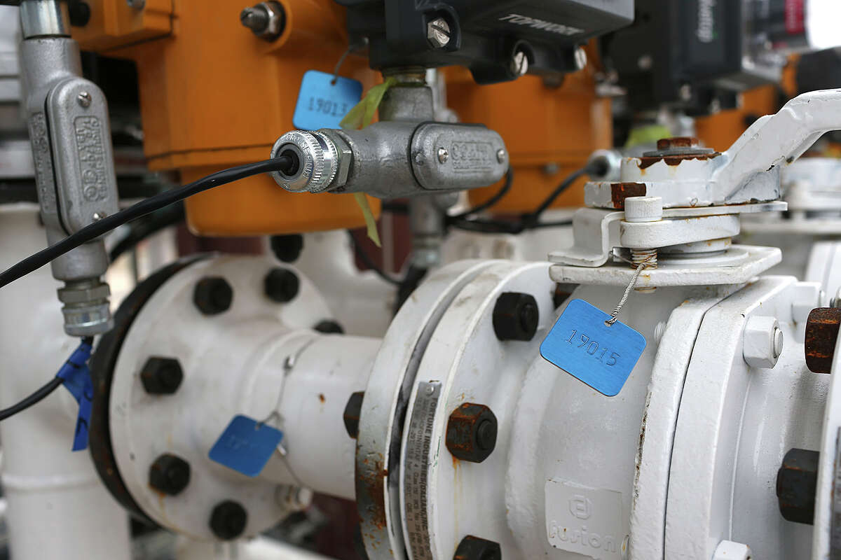 Tags mark valves at the Calumet Refinery, Monday, Jan. 11, 2016. The refinery has undergone over $200 million in updates that includes new fractionation towers and 18 solvent storage tanks.