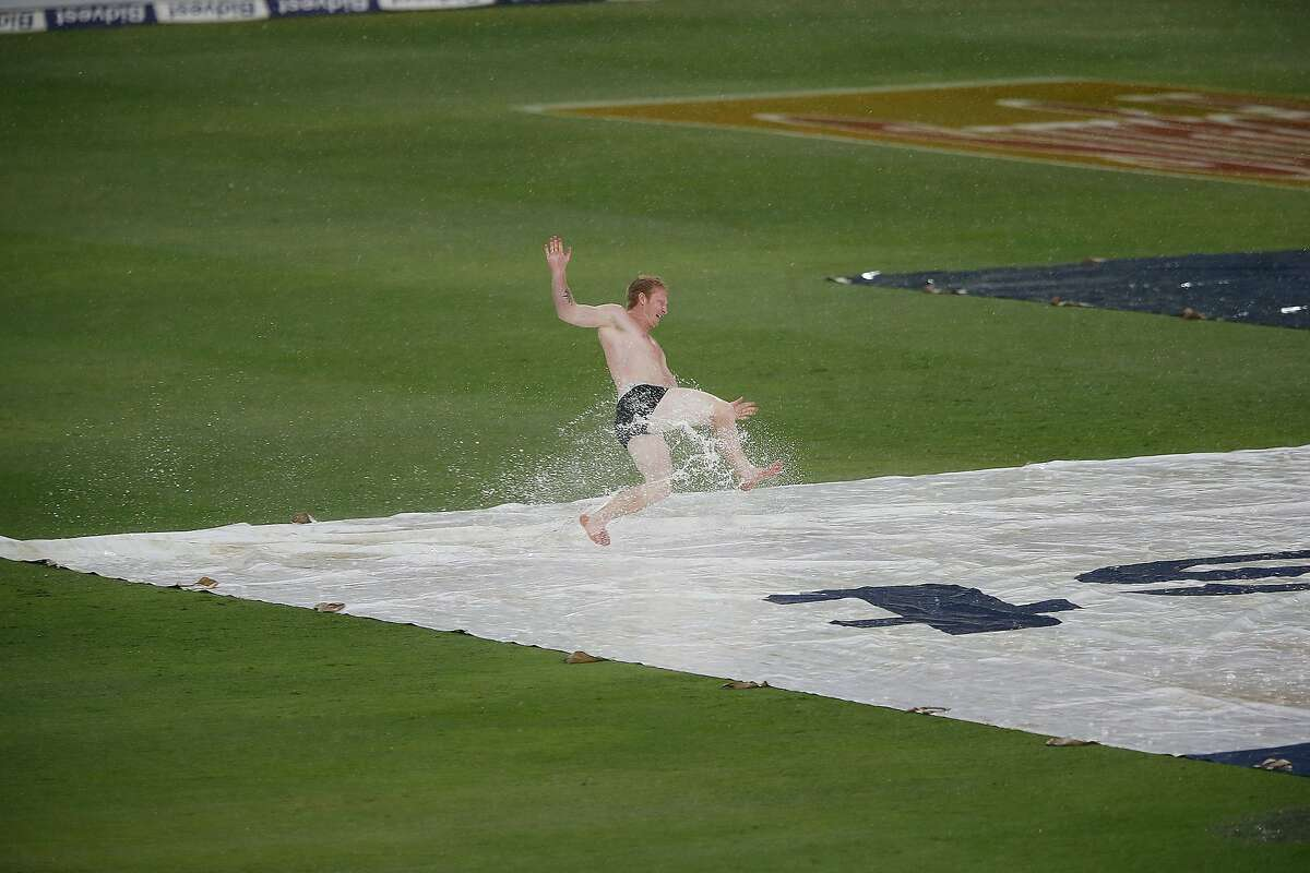 Will a fan run onto the field during the game? Yes - 5 to 1 No - 1 to 9
