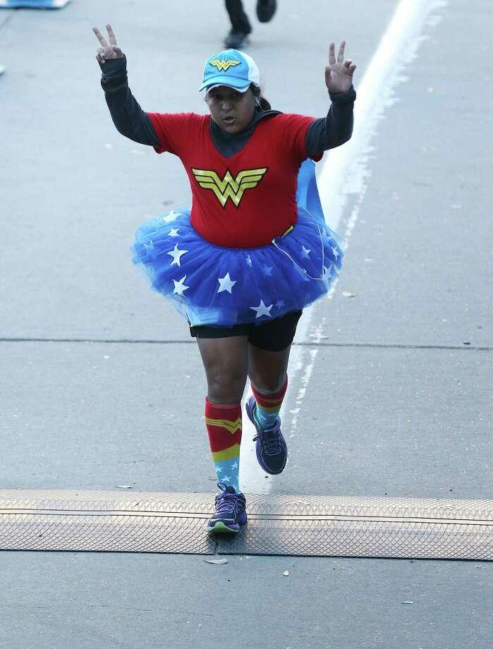 Fashion styles of the Houston Marathon on Sunday, Jan. 17, 2016, in Houston. Photo: Elizabeth Conley, Houston Chronicle / © 2016 Houston Chronicle