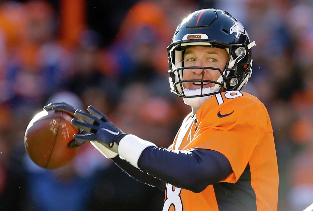 Denver Broncos quarterback Peyton Manning passes against the Pittsburgh Steelers during the first half in an NFL football divisional playoff game, Sunday, Jan. 17, 2016, in Denver. (AP Photo/Joe Mahoney) ORG XMIT: COCC105