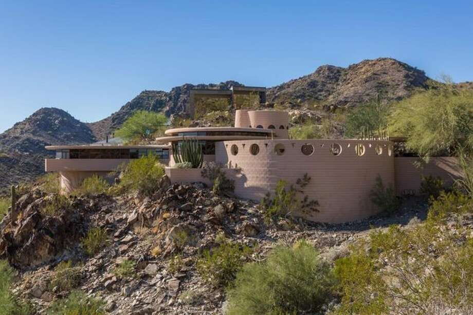 The Norman Lykes House in Phoenix. Photo: ARMLS/HomeSmart Arizona