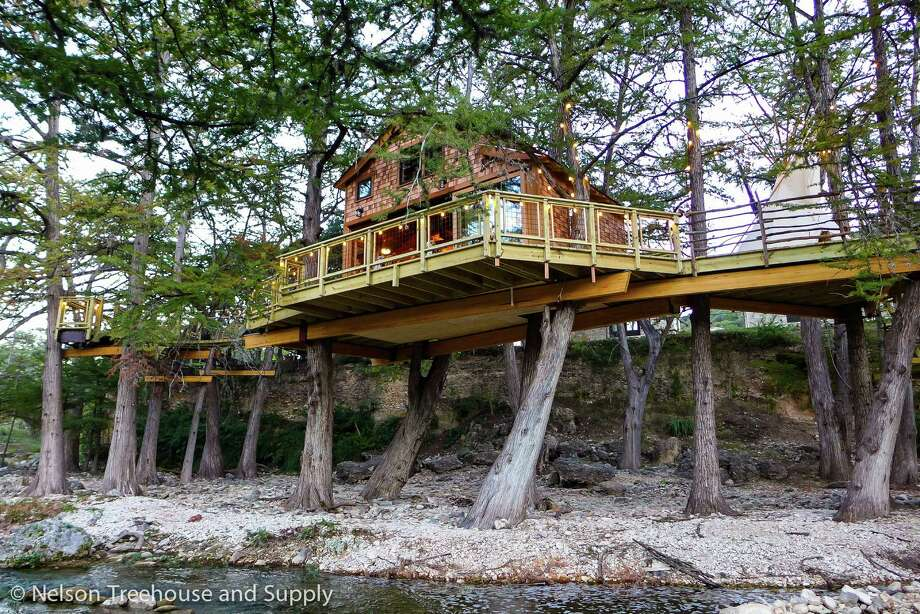 Animal planet stops in texas for its 39 treehouse masters for How much is it to build a house in texas