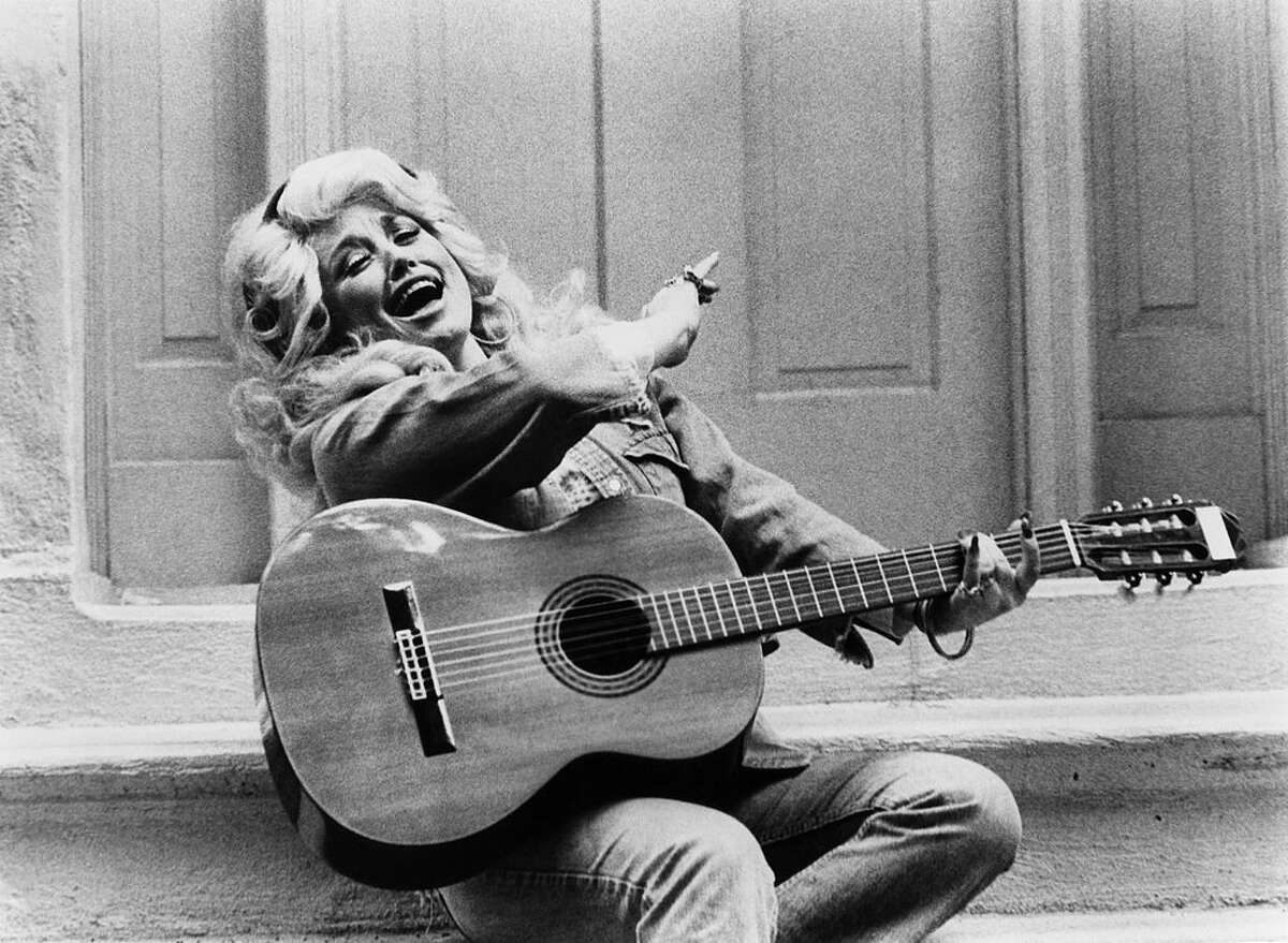 Photo of Dolly PARTON (Photo by Gems/Redferns)