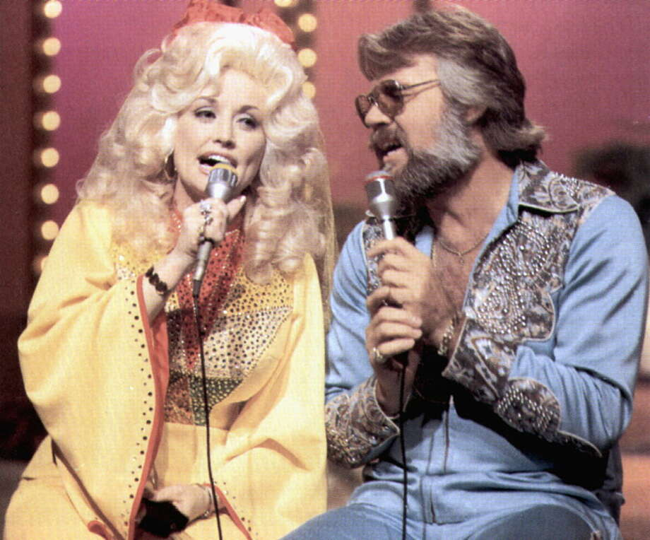 UNITED STATES - JANUARY 01:  (AUSTRALIA OUT) USA  Photo of Kenny ROGERS and Dolly PARTON, Dolly Parton & Kenny Rogers  (Photo by GAB Archive/Redferns) Photo: GAB Archive, Getty  / Redferns