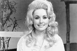 CIRCA 1972: Country singer Dolly Parton poses for a portrait in circa 1972.