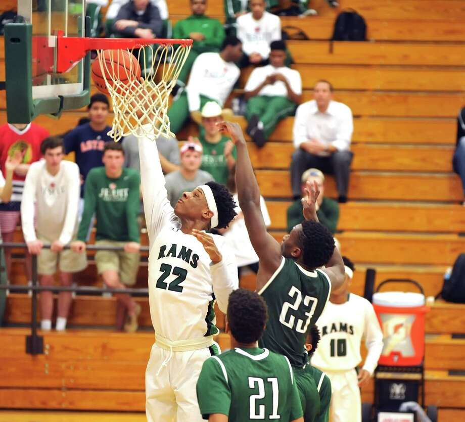 Strake Jesuit boys basketball team traveled to Mayde Creek High School to play a game, 1-15-2016.  Strake won the game, 76-70.