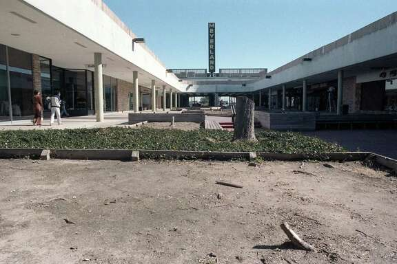Meyerland Shopping Center, Jan. 14, 1986.