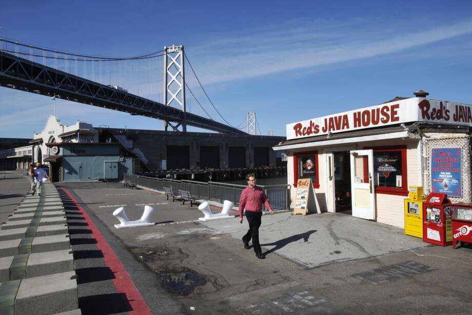 Red's Java House on the Embarcadero is an iconic San Francisco eatery that offers great (and cheap) burgers and beers along the waterfront. Photo: Leah Millis, San Francisco Chronicle