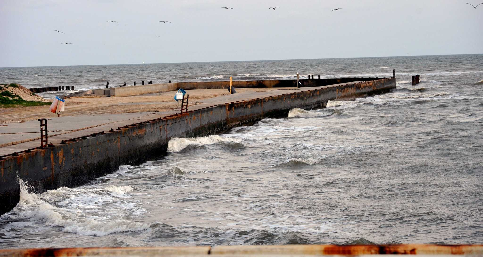 Galveston commissioners vote to close rollover pass for Rollover pass fishing report