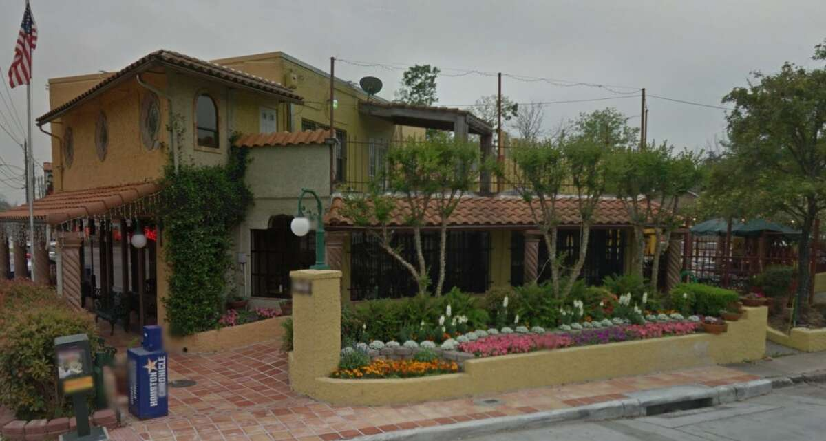 Spanish Flowers 4701 Main, Houston, Texas 77009 Demerits: 101 Inspection highlights: Failure to provide hot water; Establishment closed until hot water issue repaired. Photo by: Google Maps