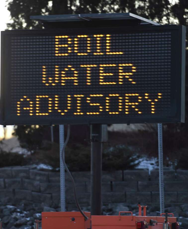 Schenectady County is urging residents on some streets in Glenville to boil water before consuming it while officials deal with a burst pipe in town. This photograph shows a boil-water advisory that was in effect in Halfmoon in early 2016. (Skip Dickstein/Times Union) Photo: SKIP DICKSTEIN / 10035076A