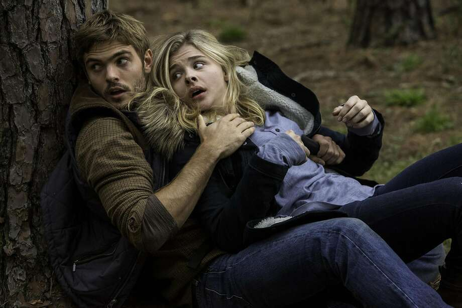 "Alex Roe (left) and Chloe Grace Moretz in Columbia Pictures' ""The 5th Wave."" Photo: Chuck Zlotnick, McClatchy-Tribune News Service"