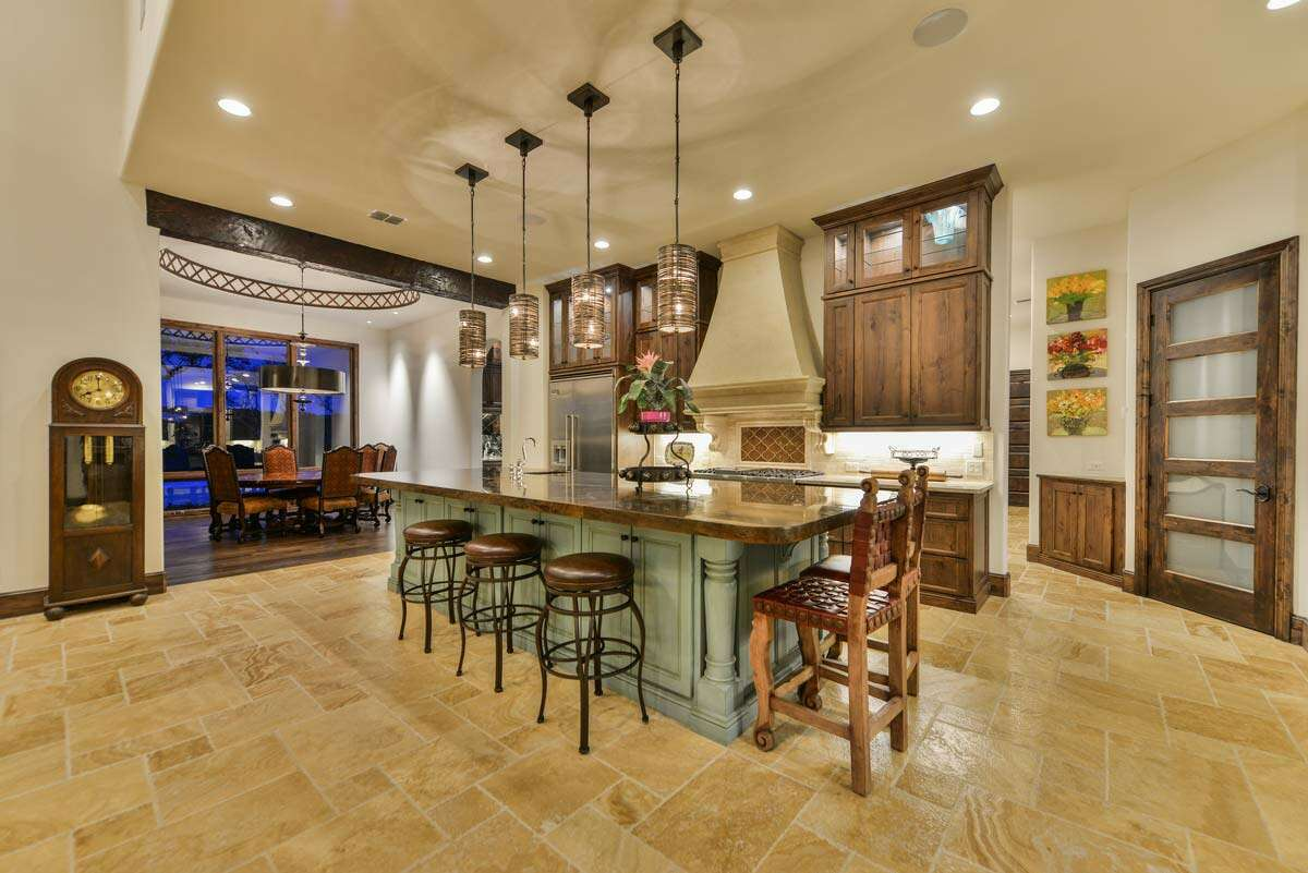This large open kitchen was built in a Sitterle custom home in San Antonio. www.sitterlehomes.com