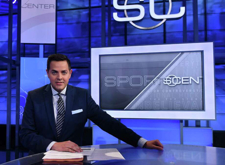 """University of Houston graduate Robert Flores has left the """"SportsCenter"""" set at ESPN to become an anchor with MLB Network and NHL Network. Photo: Joe Faraoni, Staff / 2015, ESPN Inc."""