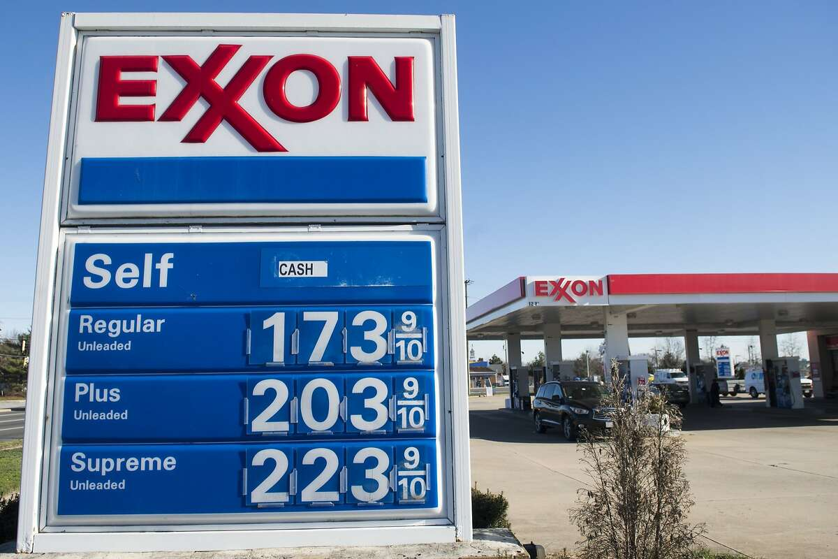 Gas prices are displayed at an Exxon gas station in Woodbridge, Virginia, January 5, 2016. Oil prices fell further January 5 as the crude supply glut overshadowed a diplomatic row between key producers Saudi Arabia and Iran as fuel prices in the US have fallen below $2 per gallon. AFP PHOTO / SAUL LOEBSAUL LOEB/AFP/Getty Images