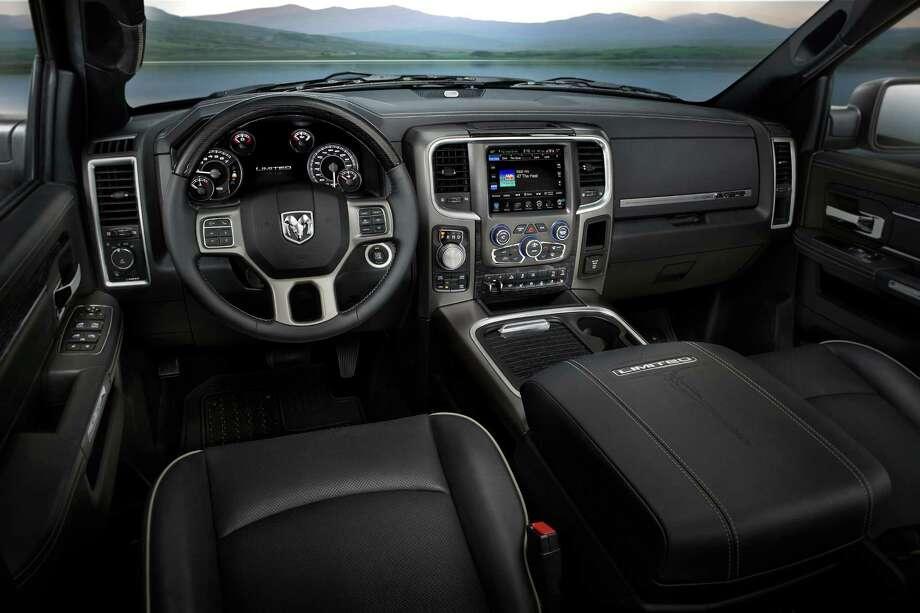 2016 Ram 1500 Laramie Limited Crew Cab Uplevel Truck