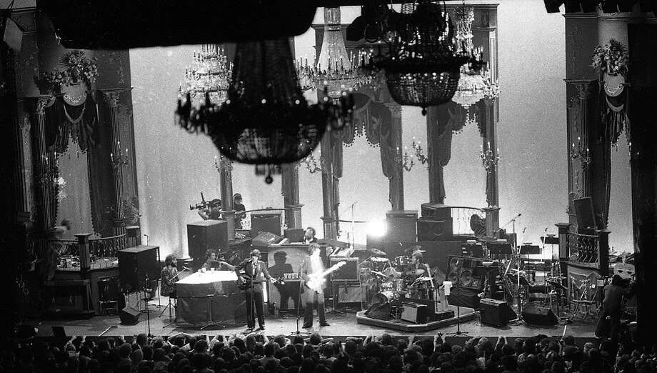 The Winterland stage stands packed in anticipation of the guests joining The Band on stage for their final road performance, a classic concert, the Last Waltz, in San Francisco on Nov. 25, 1976. Photo: Gary Fong, The Chronicle
