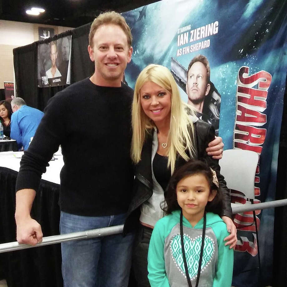 """Ian Ziering and Tara Reid of the """"Sharknado"""" series hang out with fans at Terror Con in San Antonio. Photo: Belinda Garza,  For MySA.com, Timebomb Tatoo"""