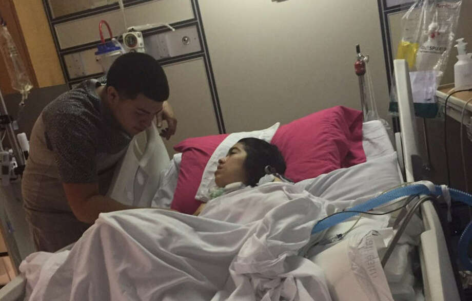 Gloria Castillo's dying wish is to meet Houston Texans star J.J. Watt. Photo: Twitter