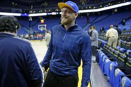 San Francisco Giants' Hunter Pence before Golden State Warriors' NBA game against San Antonio Spurs at Oracle Arena in Oakland , Calif., on Monday, January 25, 2016.