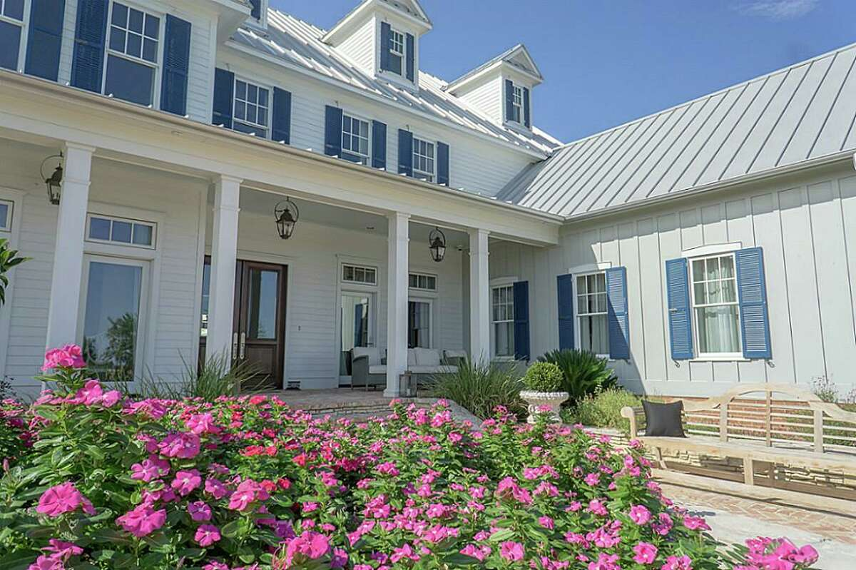 Undisclosed address Round Top, Texas $7,950,000 / 14,000 square feet