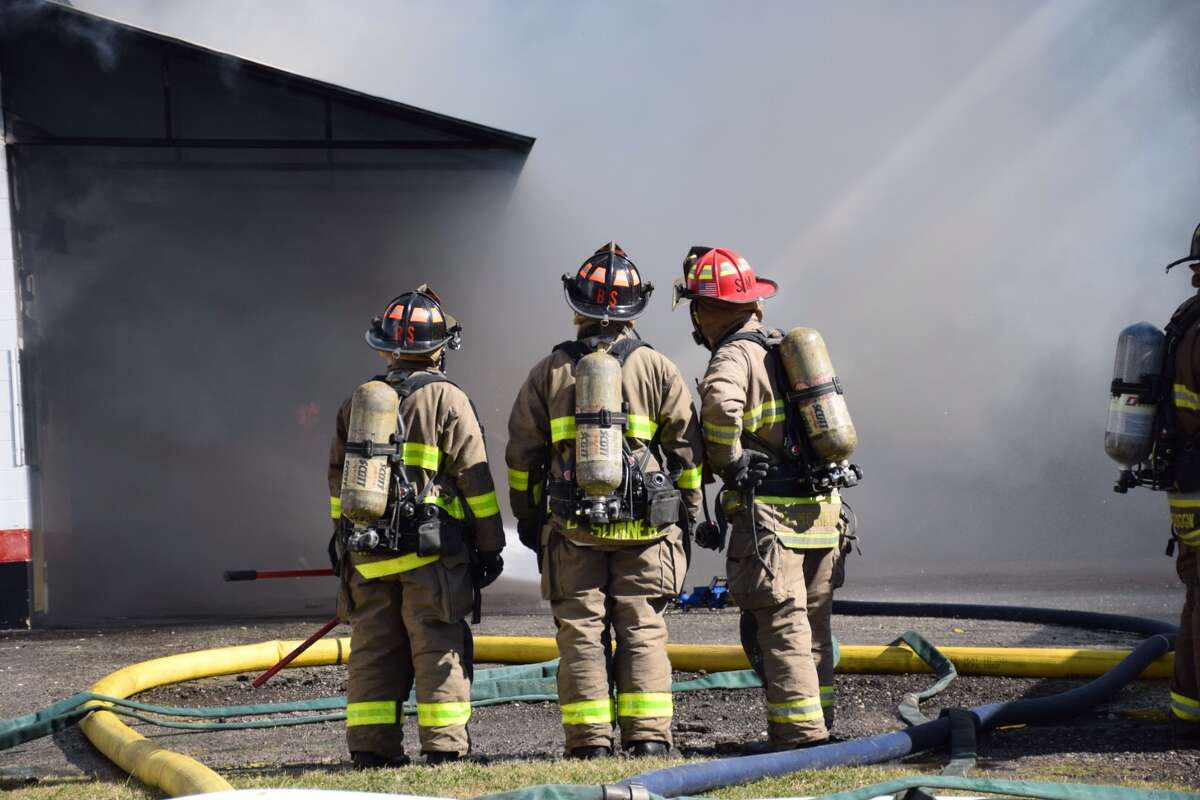 San Antonio firefighters responded to the scene of a fire at an automotive shop near the 9700 block of Perrin-Beitel Jan. 27, 2016.