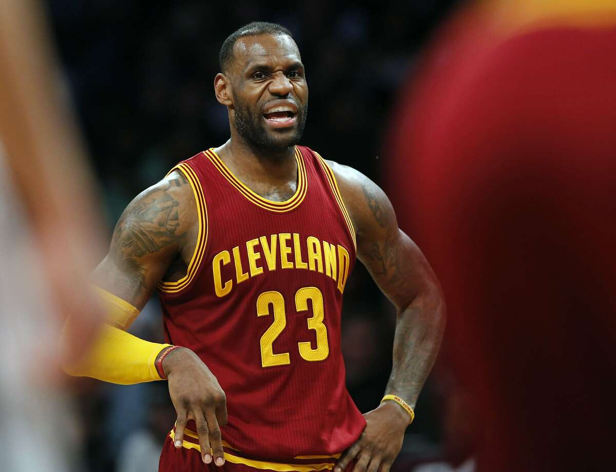 Cleveland Cavaliers forward LeBron James (23) talks to his teammates in the second half of an NBA basketball game against the Brooklyn Nets, Wednesday, Jan. 20, 2016, in New York. The Cavaliers defeated the Nets 91-78. (AP Photo/Kathy Willens)