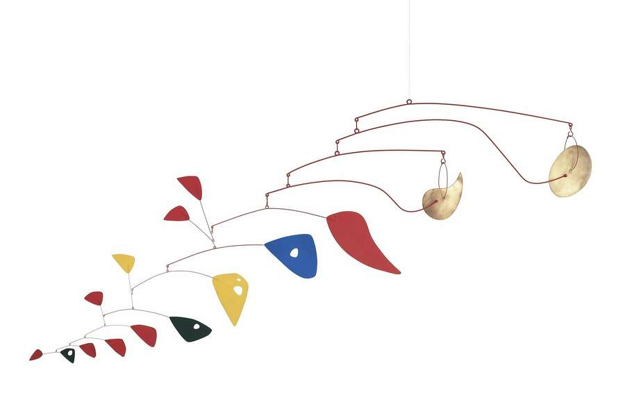 """Alexander Calder """"Double Gong"""" (1953); metal and paint; 60 x 132 x 132 in. (152.4 x 335.28 x 335.28 cm); The Doris and Donald Fisher Collection at the San Francisco Museum of Modern Art; © Calder Foundation, New York / Artists Rights Society (ARS), New York Photo: Courtesy SFMOMA"""