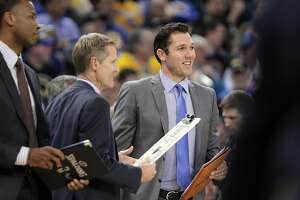 Warriors' Walton more popular by the day - Photo
