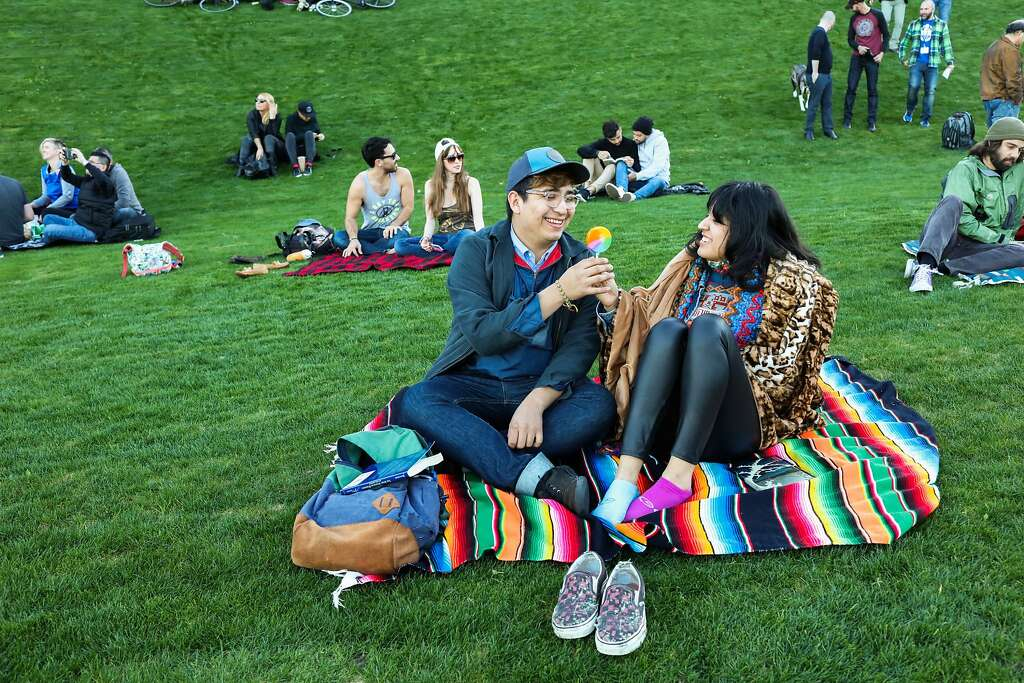 Our favorite Bay Area date spots   SFGate Have a no fuss picnic dateIt may be winter  but we all know  amp nbsp