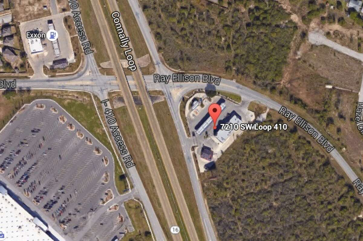 R R Quik Wok: 7210 S.W. Loop 410, San Antonio, Texas 78242Date: 01/30/2017 Score: 70Highlights: Dead roach spotted in a bulk bin of salt,