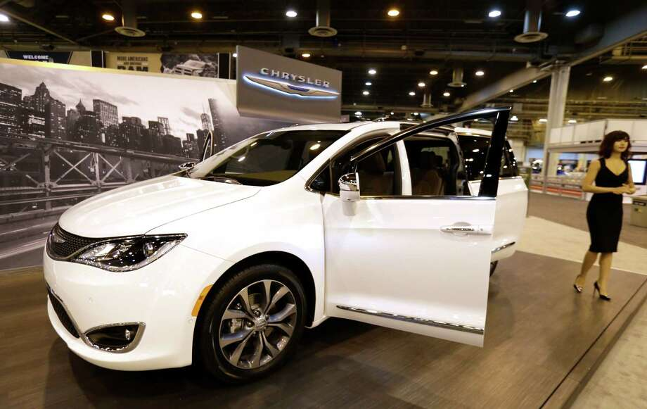 A Chrysler Pacifica at the Houston Auto Show in January. (Melissa Phillip/Houston Chronicle) Photo: Melissa Phillip, Staff / © 2016 Houston Chronicle