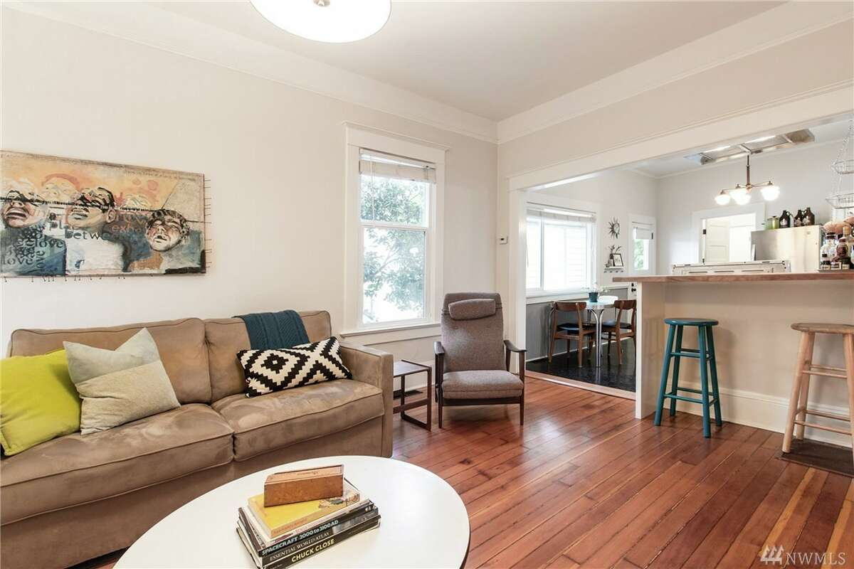 The living room in839 S. Donovan St.