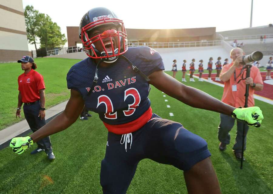 Five of the area's top 11 recruits are still uncommitted heading into the final weekend, with three - Manvel's Deontay Anderson, Elsik's Dontavious Jackson and Aldine Davis' Jeffrey McCulloch set to announce Wednesday on ESPNU. Westside's Jordan Elliott joined the group after decommitting from Michigan earlier this week. Photo: Thomas B. Shea, For The Chronicle / © 2014 Thomas B. Shea