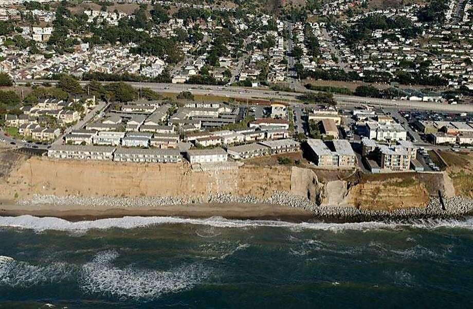 The Esplanade Apartments in Pacifica are seen in 2013. Photo: California Coastal Records Proje, CaliforniaCoastline.org