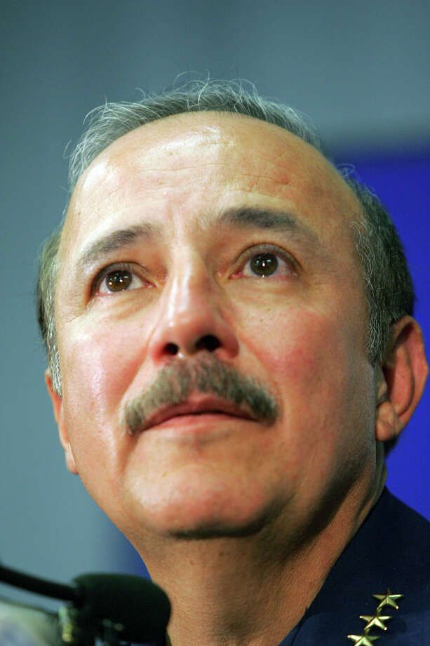 San Antonio Police Chief Albert Ortiz announces his retirement at a press conference on Oct. 25, 2005. The Ortiz brothers, as far as can be determined, are the only two Hispanic siblings to have held the posts of San Antonio police chief and Bexar County sheriff. Photo: San Antonio Express-News File Photo / SAN ANTONIO EXPRESS-NEWS