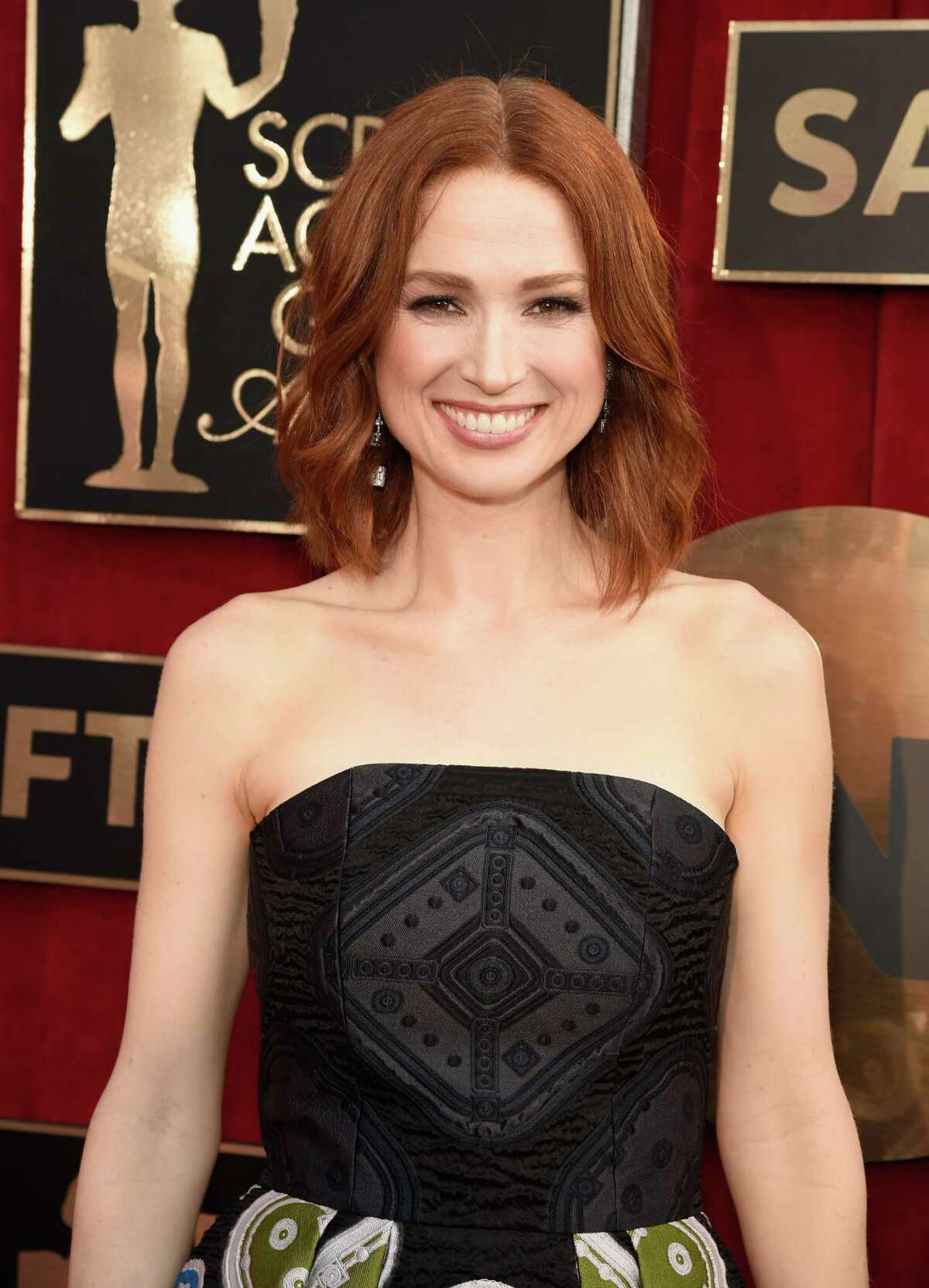 Ellie Kemper attends The 22nd Annual Screen Actors Guild Awards at The Shrine Auditorium on January 30, 2016 in Los Angeles, California. 25650_012