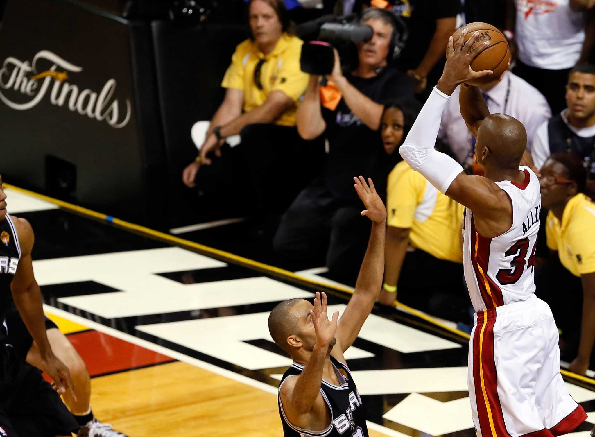 Mi miami heat game tonight tv channel - Referee Crawford Thankful Spurs Didn T Score After Ray Allen S Game 6 3 Pointer San Antonio Express News