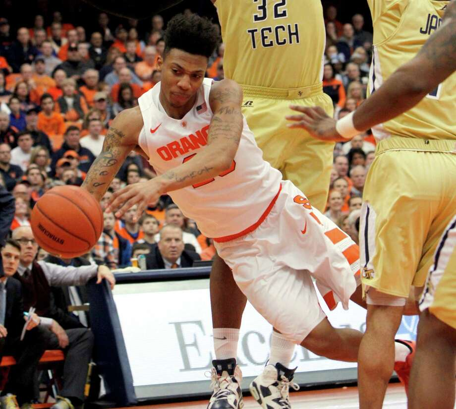 Syracuse's Malachi Richardson dives for the ball in the second half of an NCAA college basketball game against Georgia Tech in Syracuse, N.Y., Saturday, Jan. 30, 2016. Syracuse won 60-57. (AP Photo/Nick Lisi) ORG XMIT: NYNL116 Photo: Nick Lisi / FR171024 AP