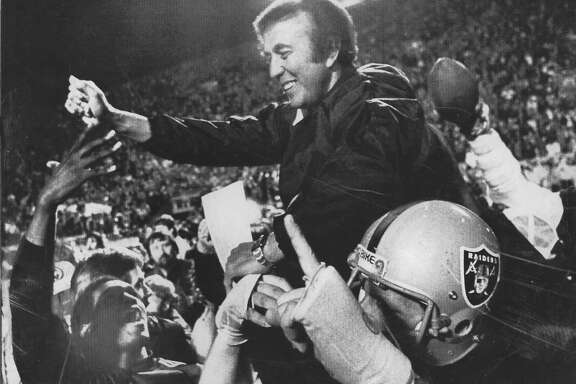 Los Angeles Raiders vs Washington Redskins in Super Bowl XVIII .. Coach Tom Flores would be carried off the field as the Raiders beat Washington 38-9  UPI photo  Photo ran1/23/1984, P. 43