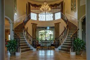 Over-the-top homes for sale in the suburbs - Photo