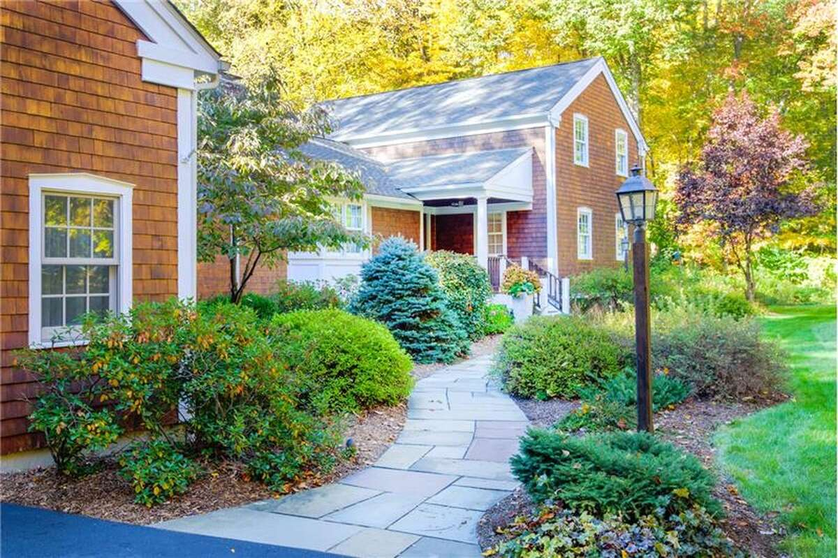 Wilton Median home value: $763,800Median price of sold homes in 2015: $777,000 (Source: CMLS)Wilton home values have declined -0.9% over the past year and Zillow predicts they will fall -0.3% within the next year. Find out more. (Note: House pictured above is not necessarily median value)