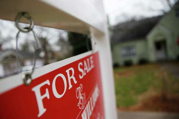 The median home price in Texas reached $195,000 in the fourth quarter of 2015.