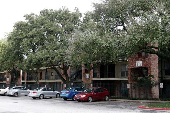 "The Richmont Square Apartments, built in 1968, had been called a ""great elephant"" standing in the way of growth for the Menil Collection's 30-acre property. Rents at the complex range from $850 to $1,200 for one- and two-bedroom units."