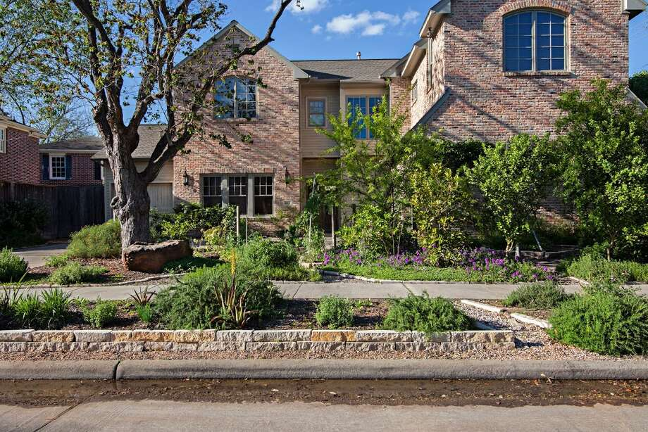 Example of Edible Earth Resources work at a home in West University, a townhouse in River Oaks and at Coltivare restaurant in the Heights Photo: Caitlin Graham
