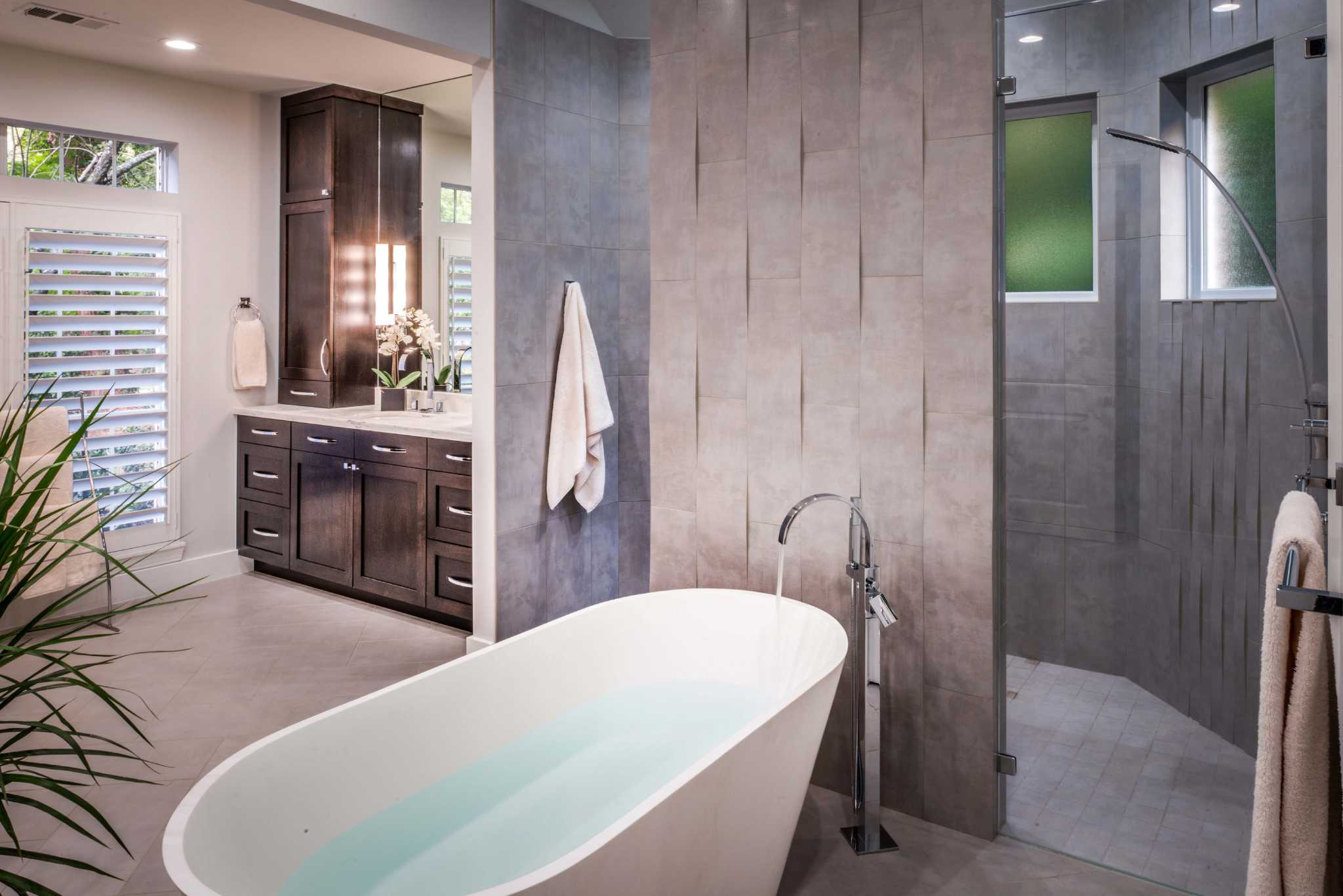 10 great bathroom remodels no bath required houston for Houston bathroom design